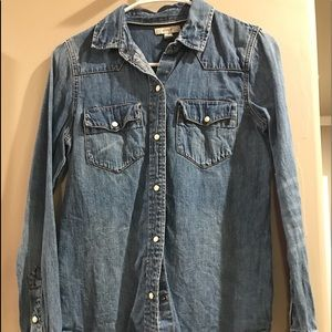Jcrew Chambray pearl snap